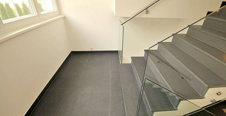 fliesen und naturstein im wohnbereich bernit fliesen naturstein salzburg wien strasswalchen. Black Bedroom Furniture Sets. Home Design Ideas